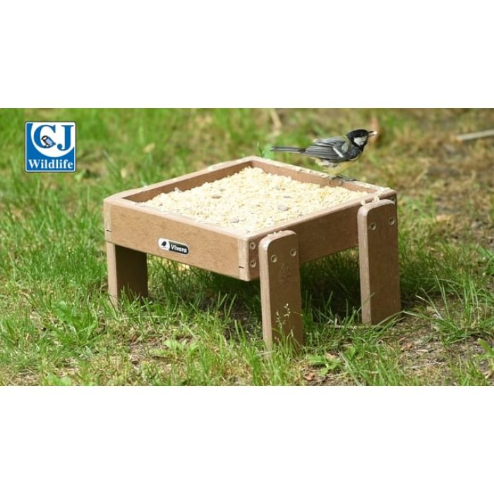 Levanne Recycled Ground Feeding Table