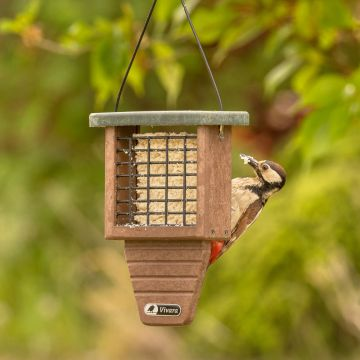 Monte Rosa Recycled Peanut Cake Square Feeder
